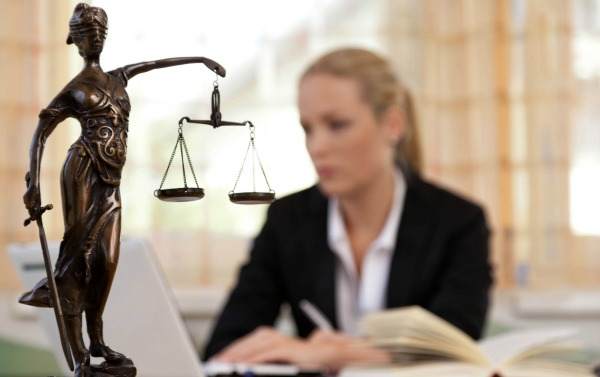 lawyer contracts