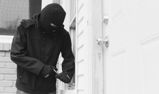 break-in-burglar